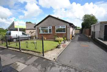 4 Bedrooms Detached Bungalow for sale in Braehead Terrace, Kilmaurs, KA3 2TP