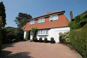 5 Bedrooms Detached House for sale in Old Lodge Way, Stanmore