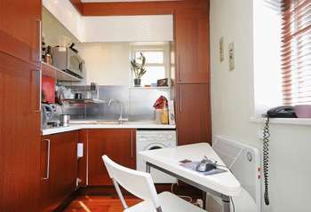 Flat for sale in Askew Crescent, W12