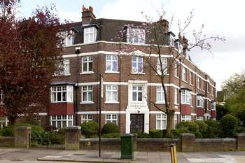 3 Bedrooms Flat for sale in Eaton Rise, W5
