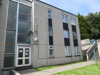 2 Bedrooms Flat for sale in Awel Mor, Cardiff