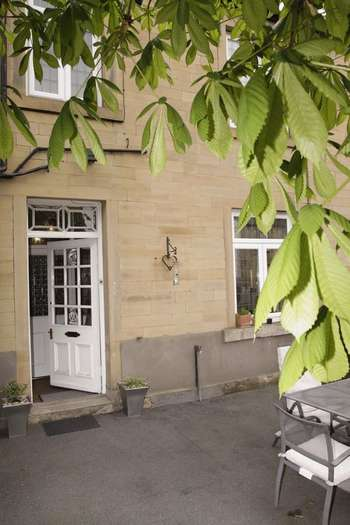 3 Bedrooms Terraced House for sale in Church Street, Holmfirth