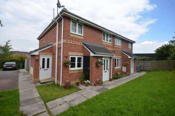 2 Bedrooms Flat for sale in Linnets Park, Runcorn