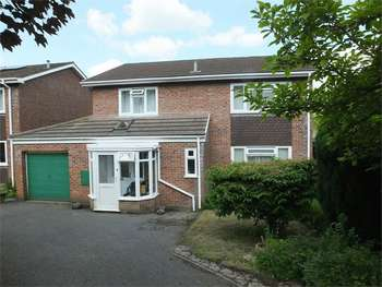 4 Bedrooms Detached House for sale in Elm Drive, ABERGAVENNY, Monmouthshire