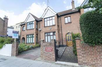 4 Bedrooms Terraced House for sale in Farleigh Road, London N16
