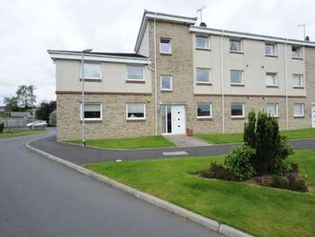 2 Bedrooms Ground Flat for sale in Cocklebie Road, Stewarton, Ayrshire, KA3 3AR