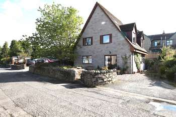 4 Bedrooms Detached House for sale in 12a Higher Oakfield, Pitlochry, Perthshire, PH16 5HT