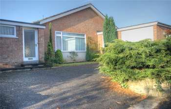 3 Bedrooms Detached Bungalow for sale in Blackwell Grove, Darlington, County Durham, DL3