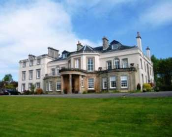 4 Bedrooms Flat for sale in Camis Eskan House, Helensburgh
