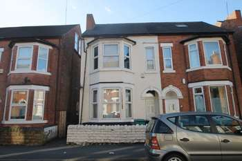 6 Bedrooms Terraced House for rent in Kimbolton Avenue Lenton NG7 1PS