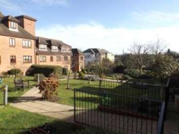 1 Bedroom Retirement Property for sale in Albert Road, Buckhurst Hill, Essex