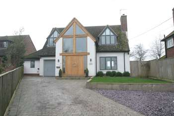 4 Bedrooms Detached House for sale in 13 Home Close Edge, Aylesbury
