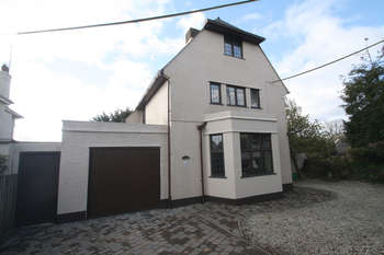 4 Bedrooms Detached House for sale in Sherford Road, Elburton.