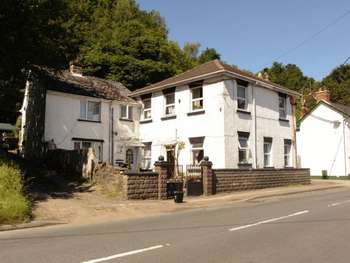 4 Bedrooms Commercial Property for sale in DRYBROOK, GLOUCESTERSHIRE