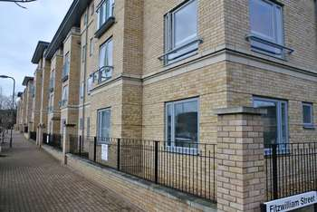 2 Bedrooms Flat for sale in Selwyn Grove, Bletchley, Milton Keynes
