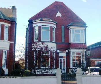 4 Bedrooms Detached House for sale in Duke St, Southport, PR8 5BZ