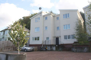 2 Bedrooms Flat for sale in Blackberry Court, Plymstock.