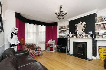 3 Bedrooms Flat for sale in Brondesbury Park , London NW2