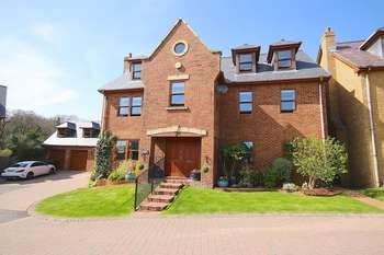 6 Bedrooms Detached House for sale in Coed Y Wenallt, Rhiwbina