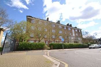 2 Bedrooms Flat for sale in Acuba House, Acuba Road, Earlisfield, SW18