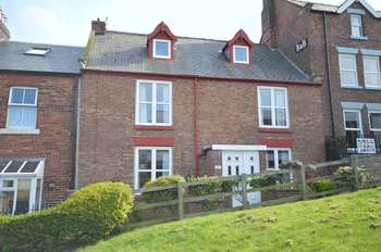 4 Bedrooms Terraced House for sale in Windsor Terrace, Whitby