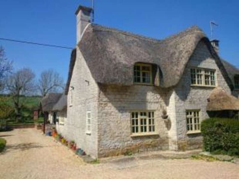 3 Bedrooms Semi Detached House for sale in Poxwell, Dorchester, Dorset