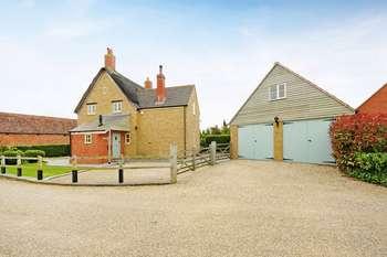 4 Bedrooms Detached House for sale in Millborne, West End, Kingsbury Episcopi, Somerset TA12