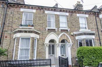 3 Bedrooms Flat for sale in Fifth Avenue, London, W10