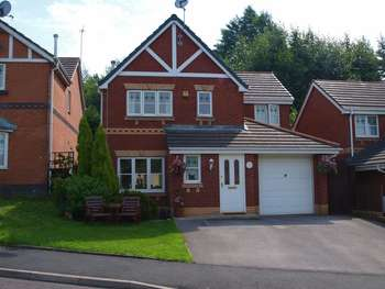 4 Bedrooms Detached House for sale in Manor Mill Close, Smallbridge, OL16 2HG