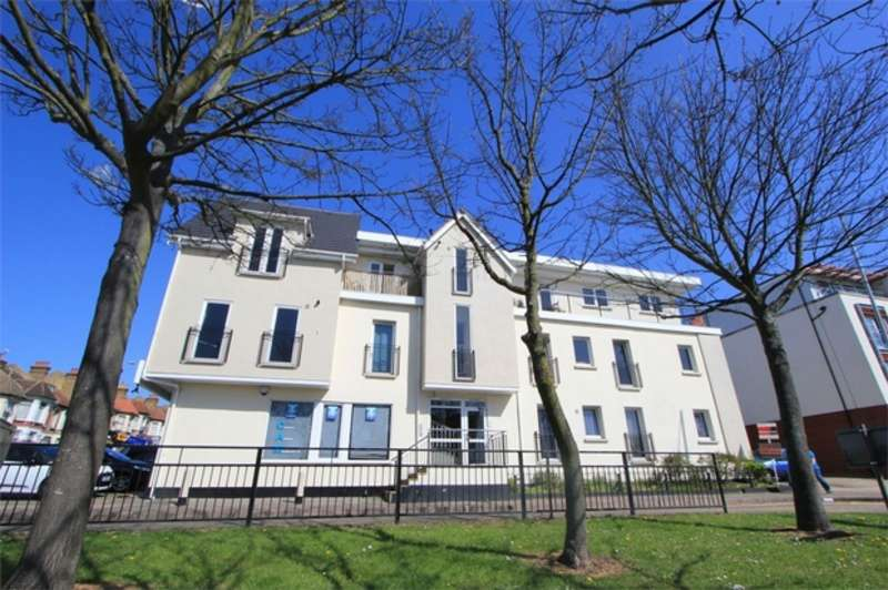 1 Bedroom Flat for sale in Grange Heights, SOUTHEND-ON-SEA, Essex