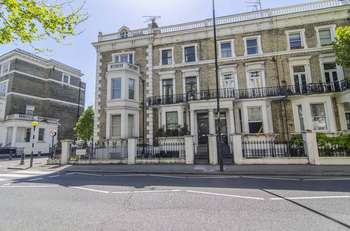 2 Bedrooms Flat for sale in Finborough Road, London, SW10