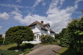 3 Bedrooms Detached House for sale in Broomhills Road, West Mersea, Essex