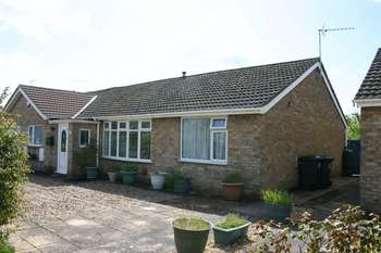 3 Bedrooms Semi Detached Bungalow for sale in Millview Road, Heckington