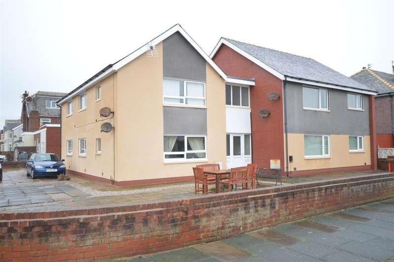 8 Bedrooms Flat for sale in Carlyle Avenue, South Shore, Blackpool