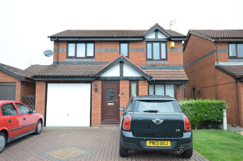 4 Bedrooms Detached House for sale in Lowfield Road, Blackpool