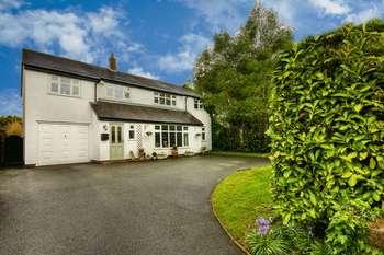 Property for sale in Twemlow Lane, Crewe