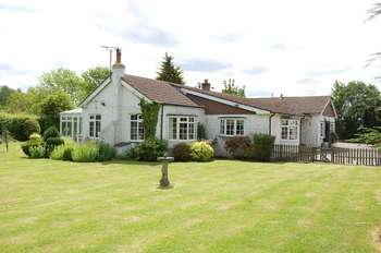 4 Bedrooms Detached Bungalow for sale in Fen Lane, Orsett Village