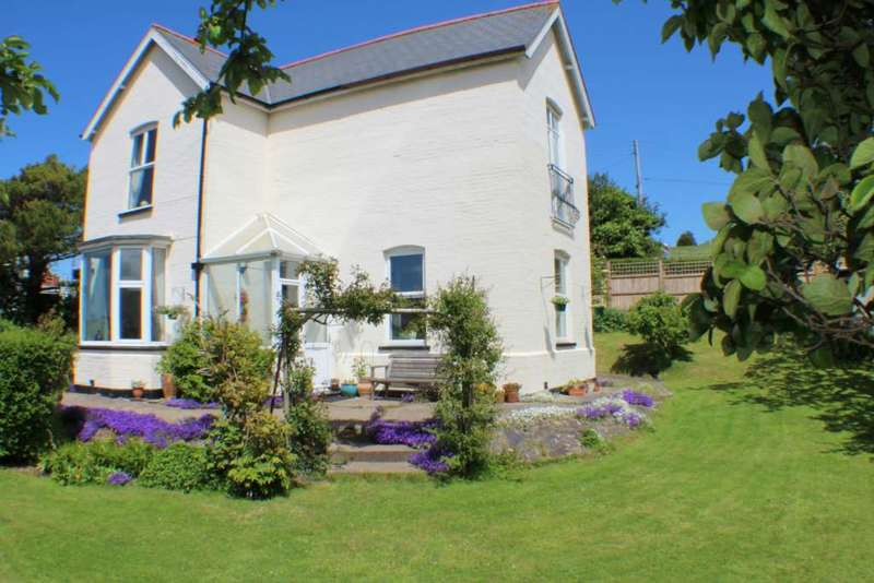 4 Bedrooms Detached House for sale in Nuttaberry Hill, Bideford