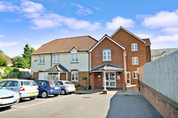 1 Bedroom Retirement Property for sale in Kings Court, Fordingbridge, SP6 1AL