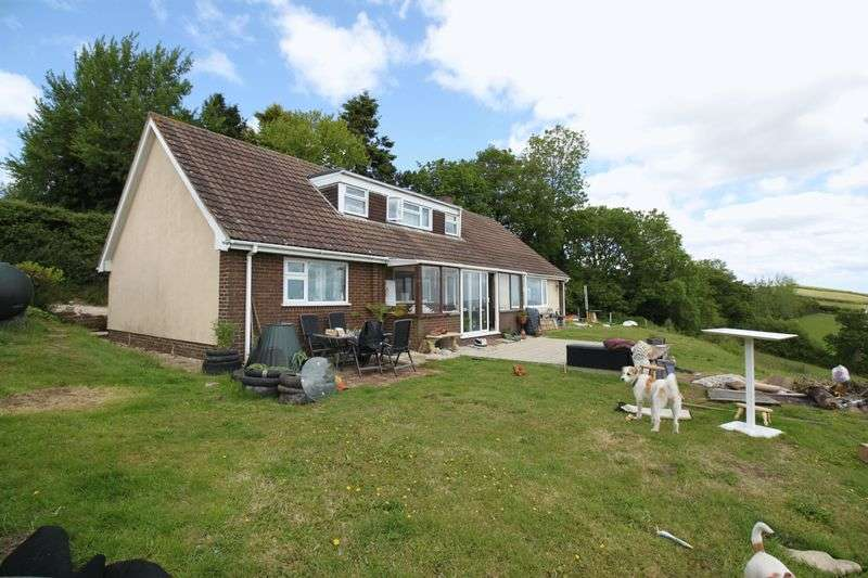 3 Bedrooms Bungalow for sale in Whitestone, Exeter