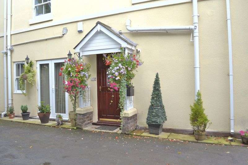 2 Bedrooms Flat for sale in The Nook, Tailors Lane, Maghull