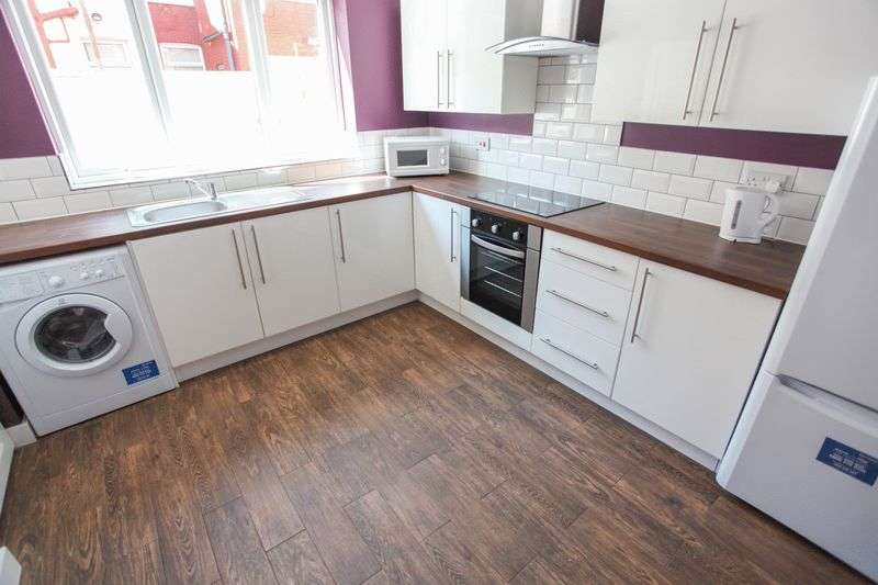 5 Bedrooms Property for rent in Romer Road, Liverpool (2016-17 Academic Year)