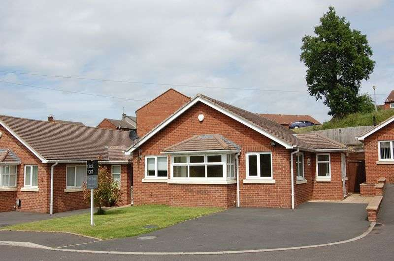 3 Bedrooms Detached Bungalow for sale in Western Rise, Ketley, Telford, Shropshire.