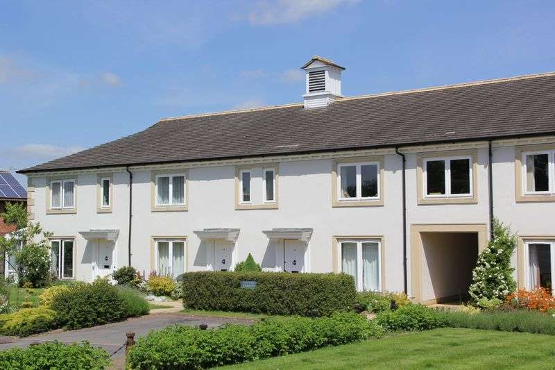 2 Bedrooms Cottage House for sale in Fullands Court, Kingsway, Taunton