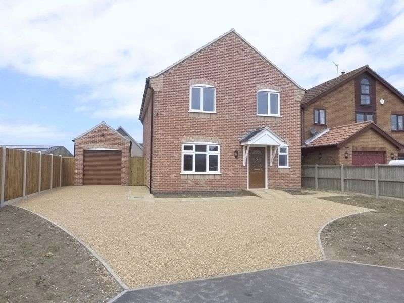 4 Bedrooms Detached House for sale in Scratby
