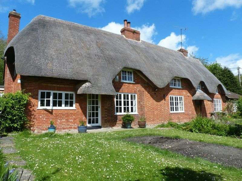 5 Bedrooms Detached House for sale in Etchilhampton, Devizes, Wiltshire, SN10