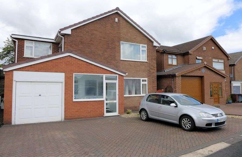 4 Bedrooms Detached House for sale in Kintyre Drive, Bolton