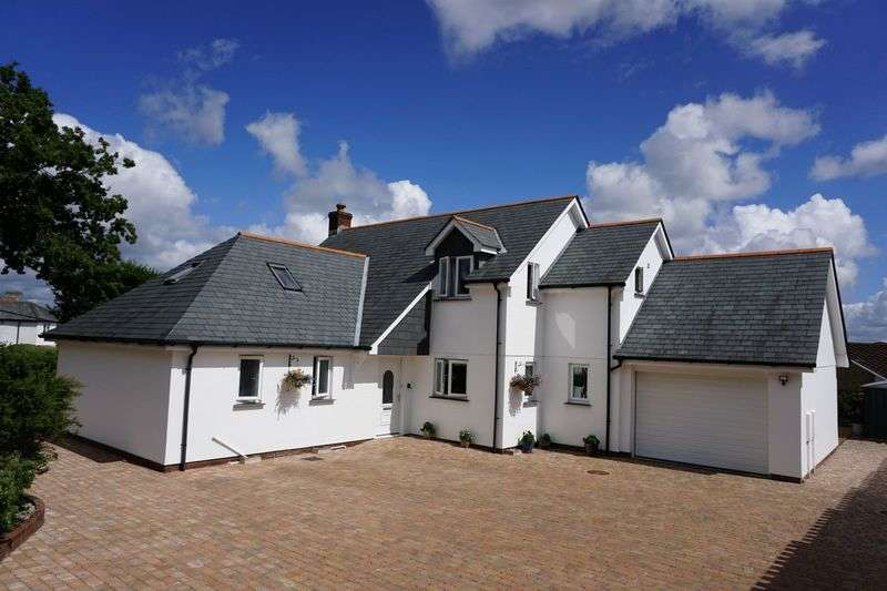 4 Bedrooms Detached House for sale in Upper Chapel, Launceston