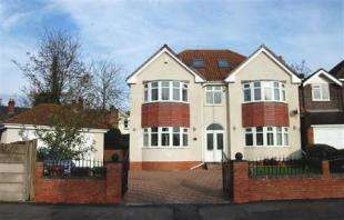 5 Bedrooms Detached House for sale in Delves Road, Walsall, West Midlands