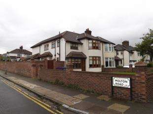 3 Bedrooms Semi Detached House for sale in Queens Drive, Wavertree, Liverpool, Merseyside, L15